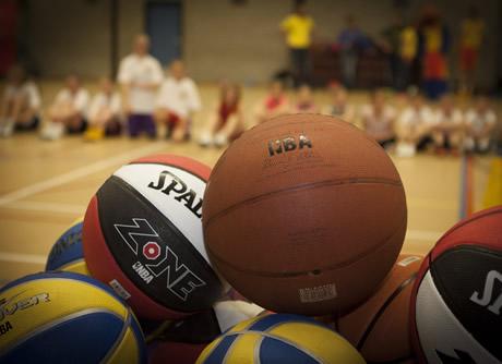 http://www.kloonfabriek.nl/uploads/ckvfabriek/images/workshops/basketbal-workshop_thumb.jpg