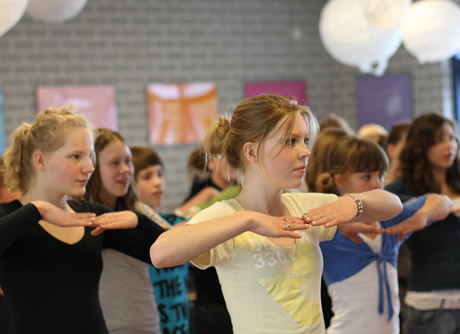 http://www.kloonfabriek.nl/uploads/ckvfabriek/images/workshops/streetdance-workshop_thumb.jpg